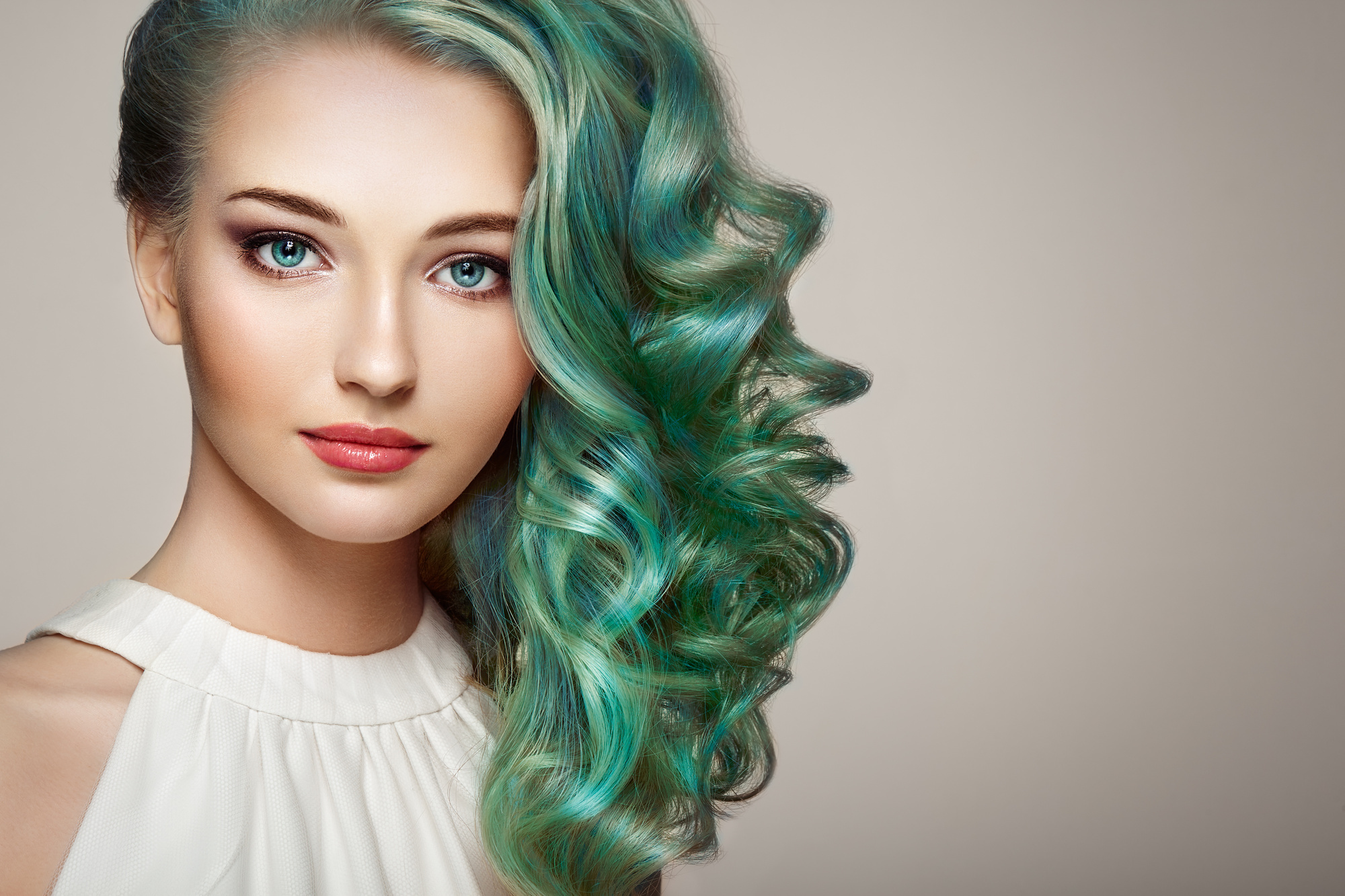 Dyed Hair Tips : How to Keep Color Treated Hair Looking ...