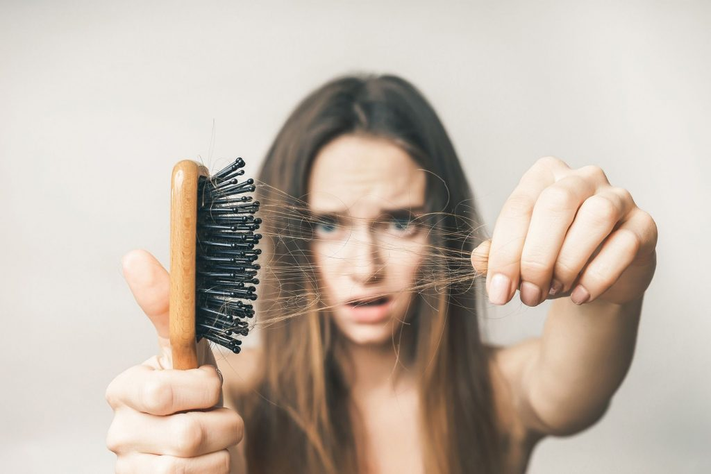 SIgns of early hair loss